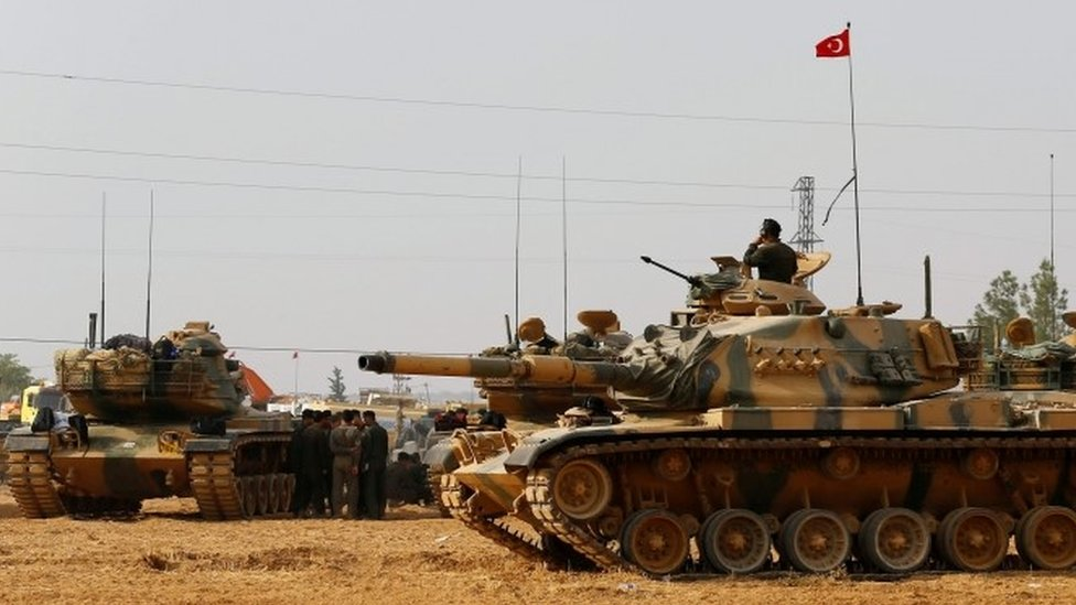 Mosul: Turkey insists its forces 'cannot remain idle'