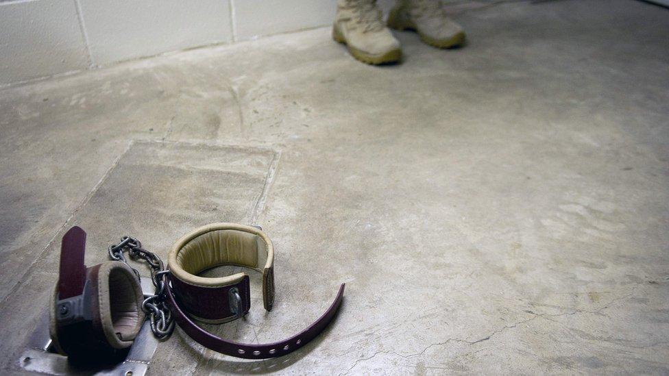 Celda de castigo en Guantánamo