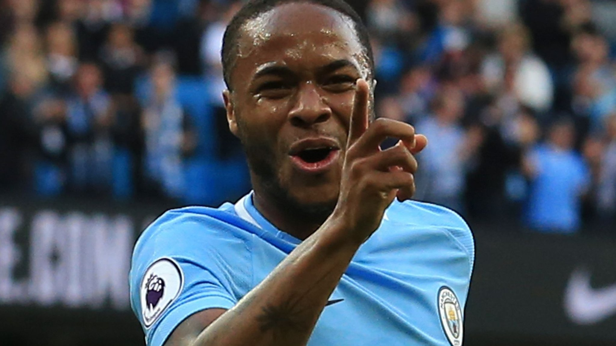 Sterling sees long-term future at Man City