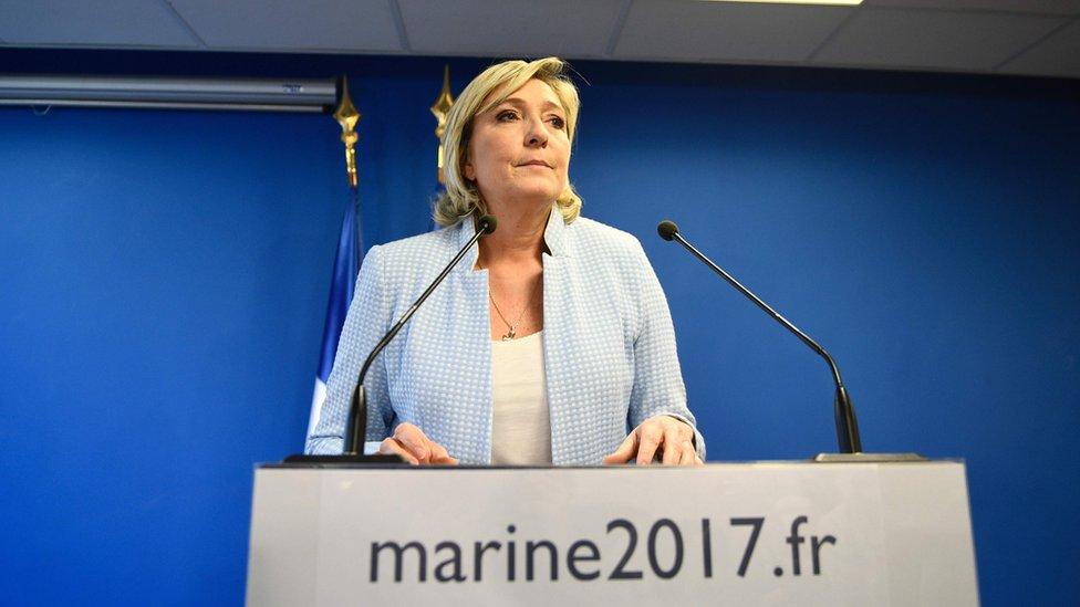 مارين لوبان زعيمة الجبهة الوطنية الفرنسية المتطرف