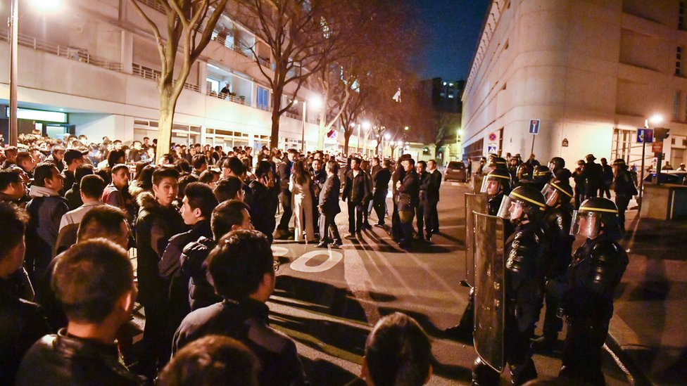Đụng độ ở Paris sau khi một người TQ bị cảnh sát bắn chết