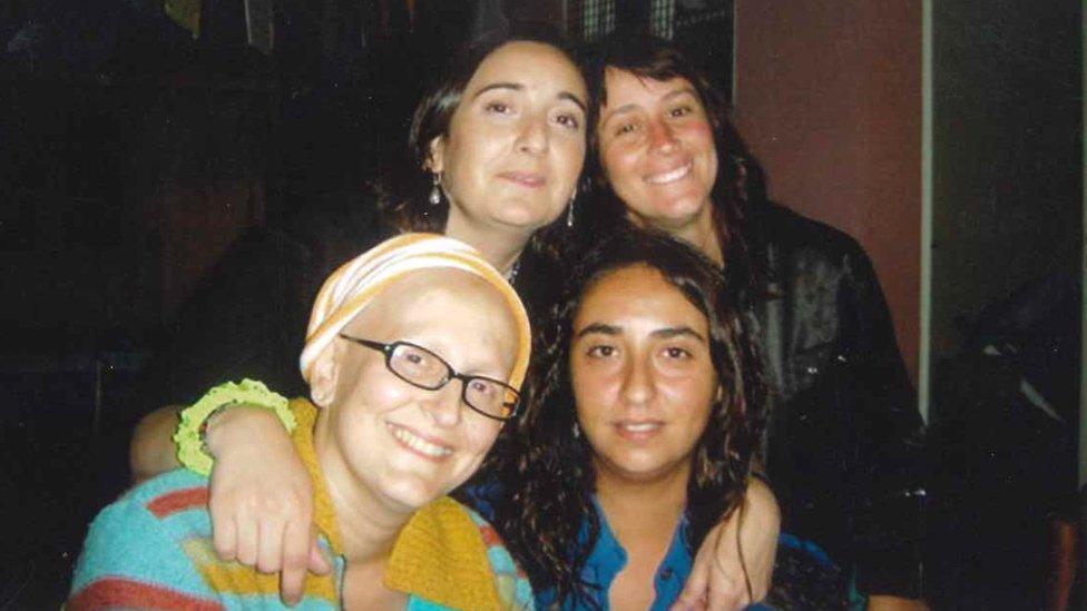 Paula con amigas (Crédito: Paula Sáenz)