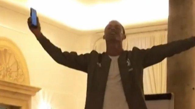 Ronaldo, Matuidi & Can sing in Juventus initiation