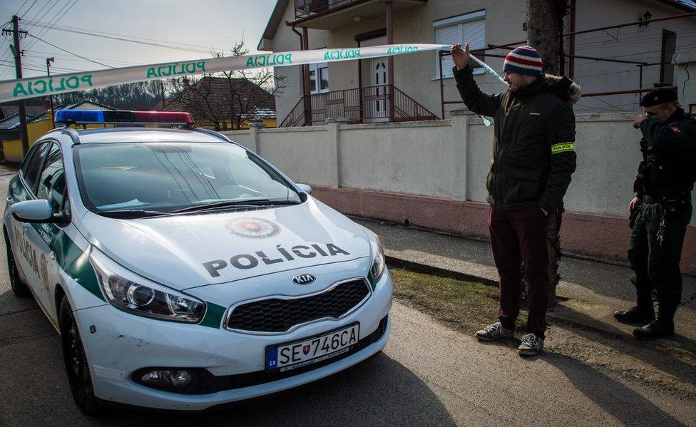 Auto de policía eslovaca