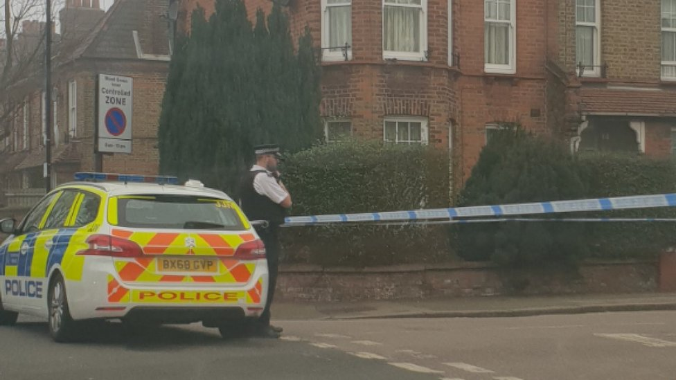 Wood Green: Teen dies after being stabbed in fight | BBC
