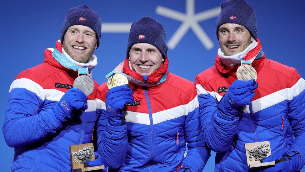 Esquiadores noruegos