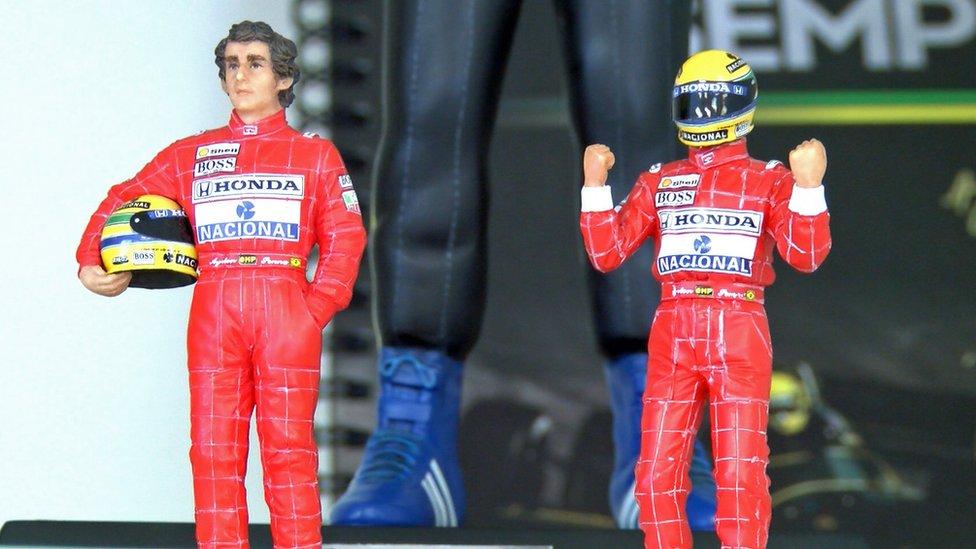 Ayrton Senna muñecos