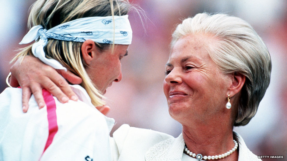 Jana Novotna cries after losing 1993 Wimbledon final