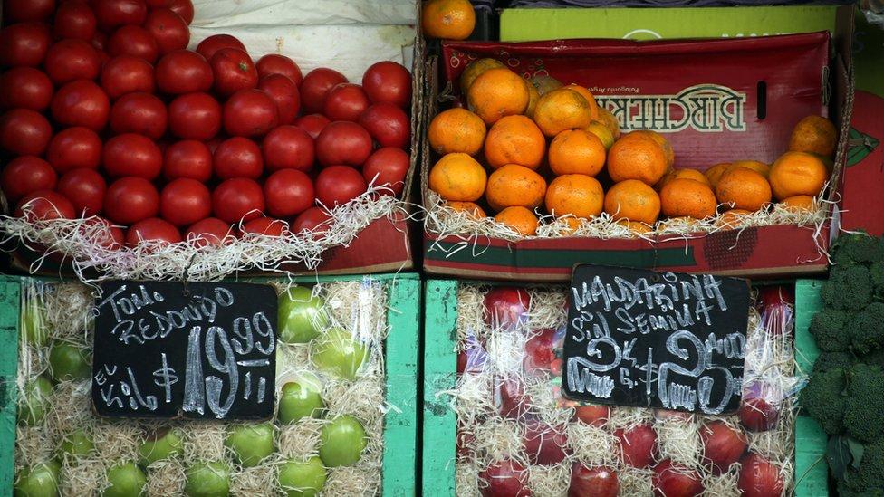 Una dieta sin frutas, sería una dieta pobre en nutrientes.