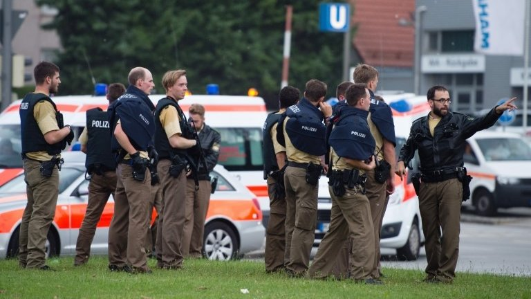 Munich shooting: Several killed in shopping centre