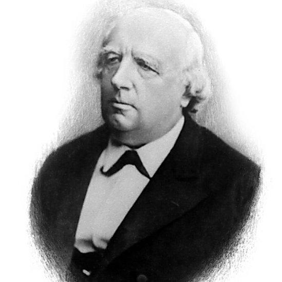 Karl Weierstrass es considerado el padre del análisis matemático moderno (Dominio público).