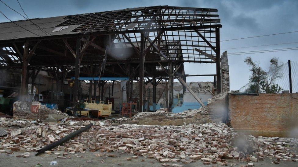El techo de un edificio destrozado por Irma en Caibarién, Cuba