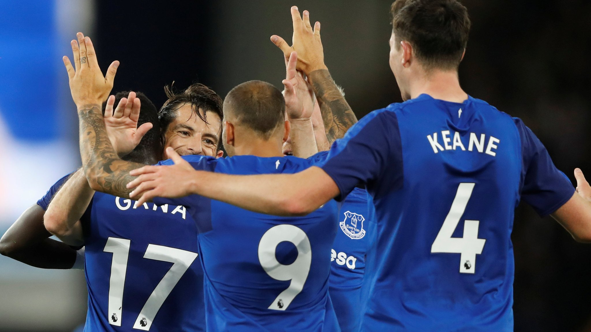 Baines gives Everton Europa lead on Rooney return