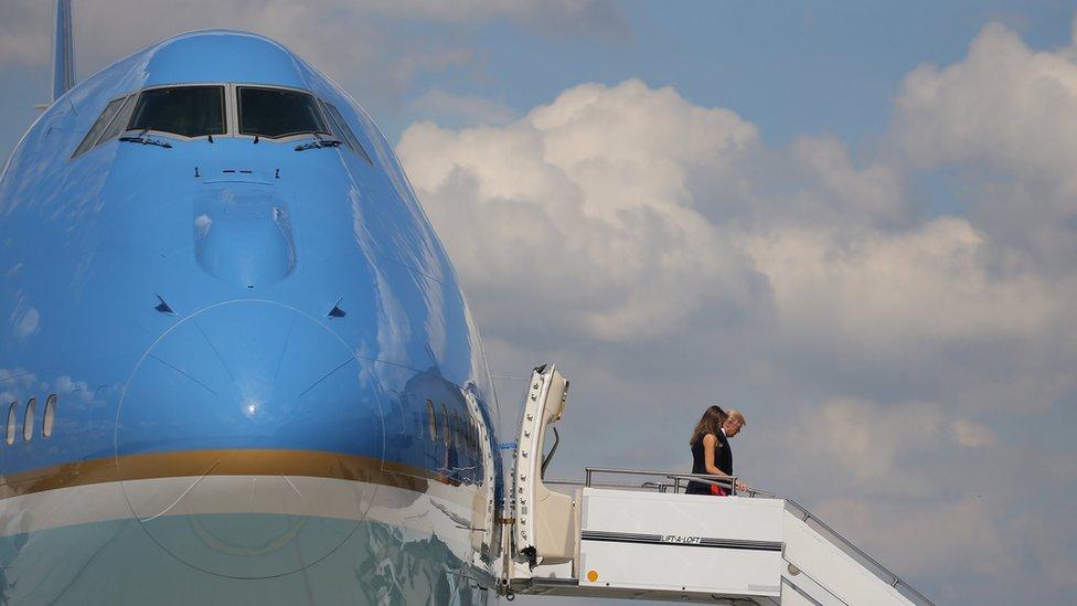 Donald y Melania Trump llegando a Hamburgo.