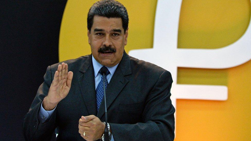 Venezuela asegura que busca acabar con la especulación de bancos y agencias de crédito.