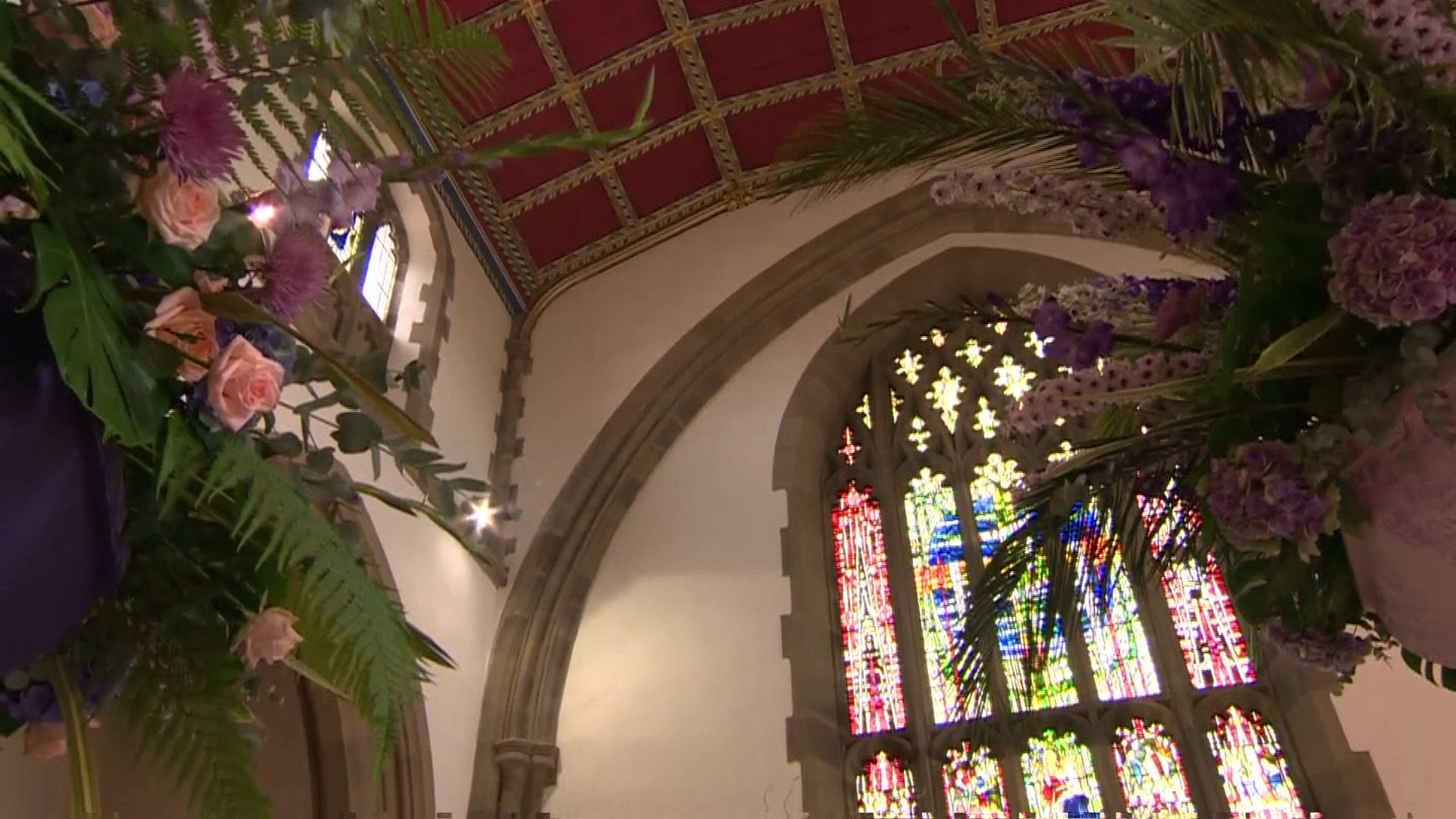 Blackburn Cathedral blooms for Flower Festival 2016