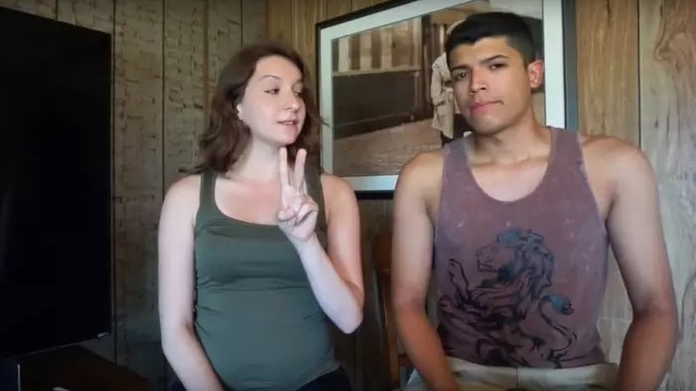 US woman shoots boyfriend in YouTube stunt
