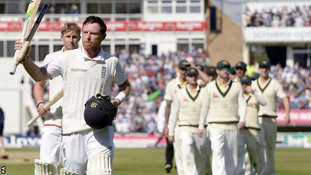Ian Bell walks off ahead of Joe Root and the Australia team