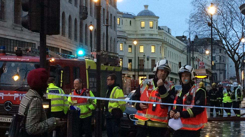 Travel chaos after gas leak shuts Charing Cross station