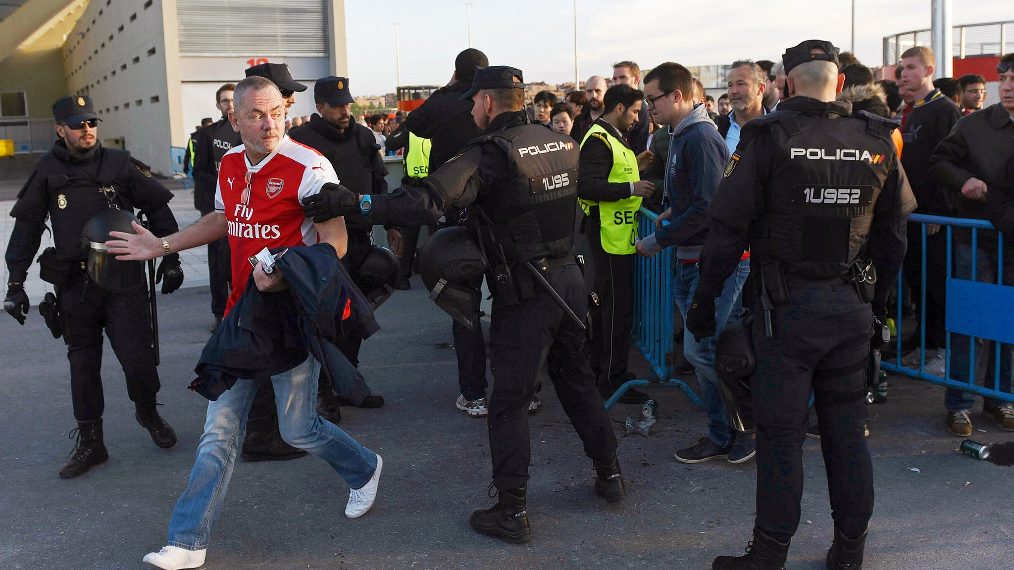 Arsenal fans want Spanish police investigated for 'inexcusable violence'