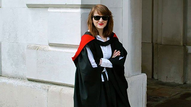 Tara en su graduación