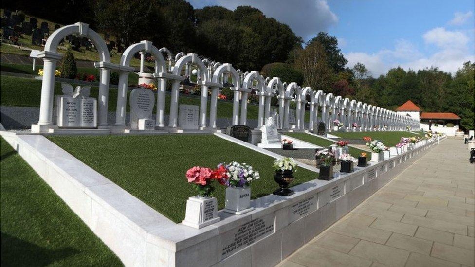 Silence marks Aberfan disaster anniversary