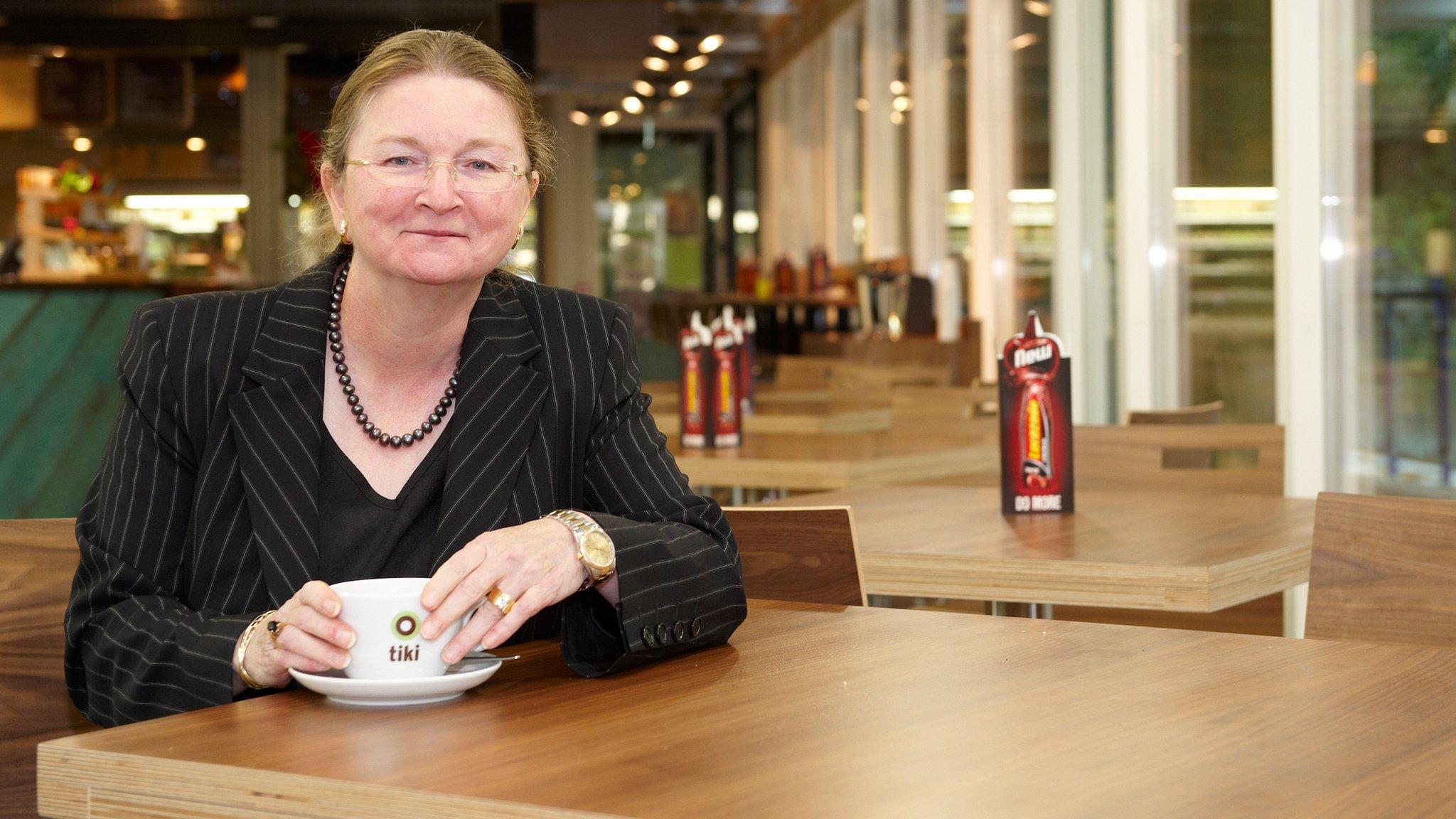 Bath University vice-chancellor wins no confidence vote