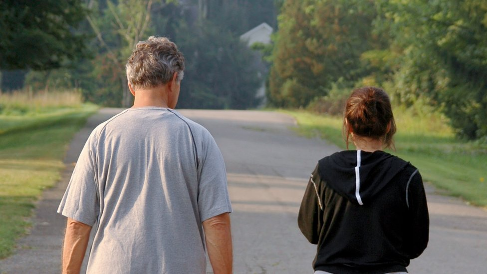 Fathers may pass ovarian cancer risk to daughters