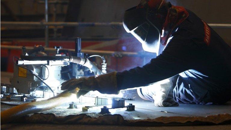 UK economic growth rate edges slightly higher