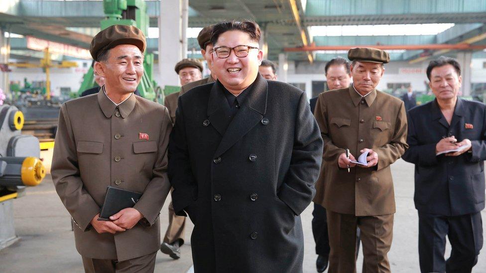 الزعيم الكوري الشمالي في جولة تفقديه في بيونغ يانغ