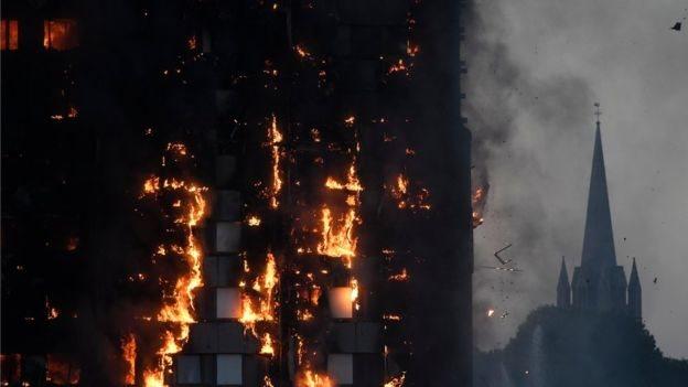 حريق ضخم يلتهم برجا سكنيا مكونا من 27 طابقا غربى العاصمة البريطانية