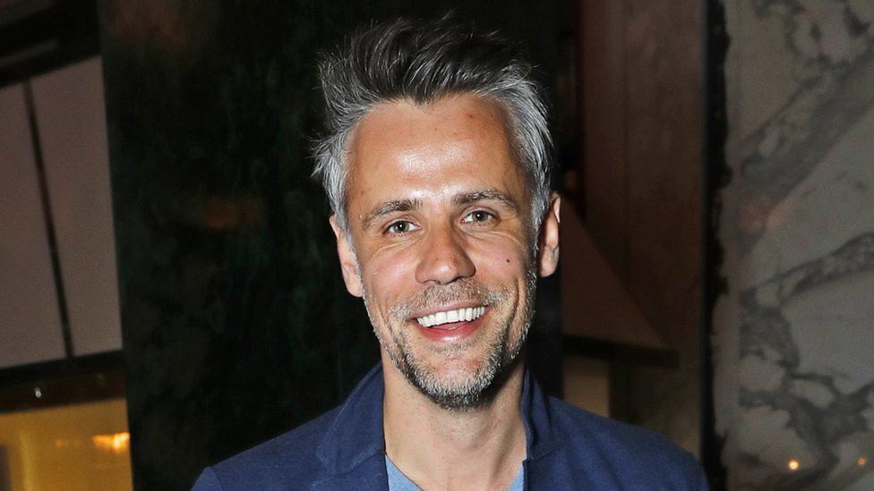 Richard Bacon out of coma and tweets 'I am alive'