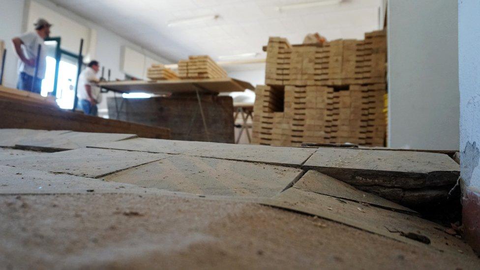 Piso de carpintería en Colazo