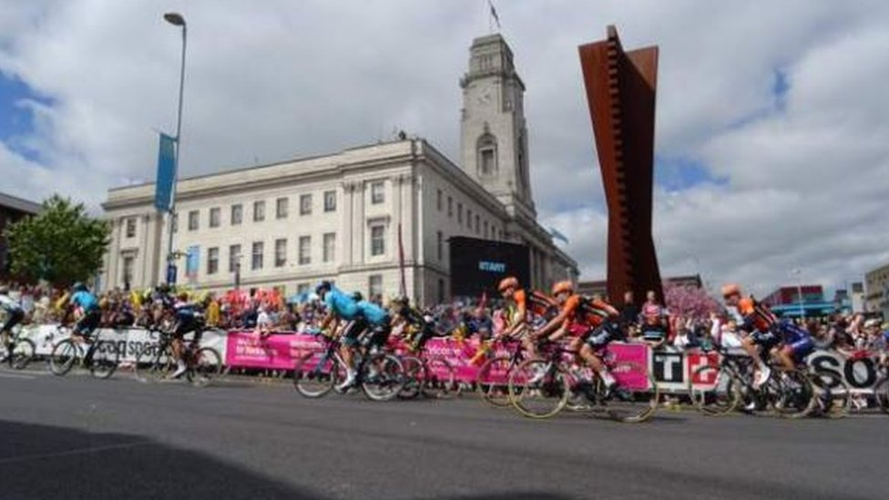Tour de Yorkshire delayed Barnsley road repairs 'by months'   BBC