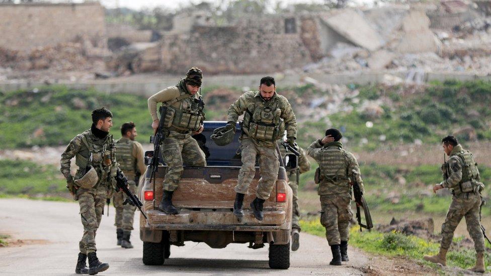 قوات سورية موالية لتركيا في شرق عفرين