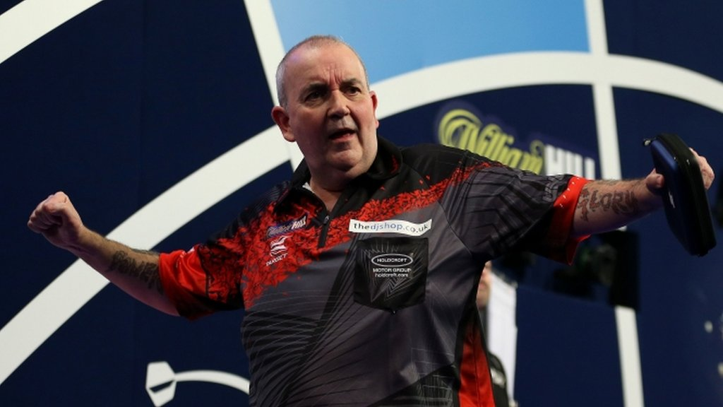 PDC World Darts 2018: Phil Taylor reaches last 16 as Daryl Gurney loses out