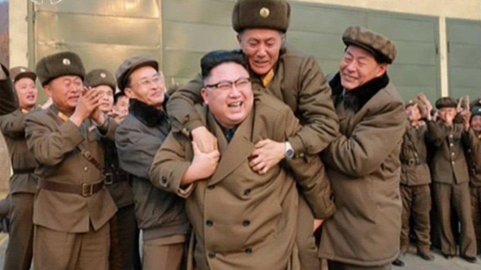 Bắc Hàn: Ai dám cưỡi lên lưng Kim Jong-un?
