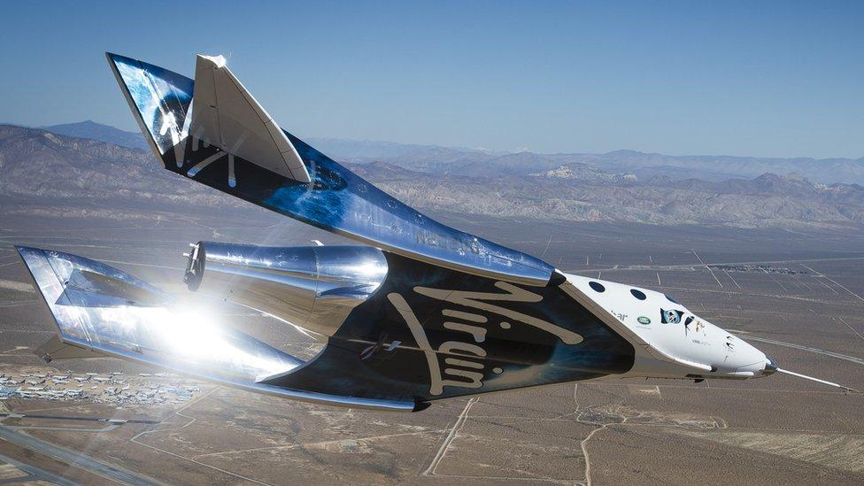 Virgin Galactic hace historia con su primer vuelo espacial tripulado