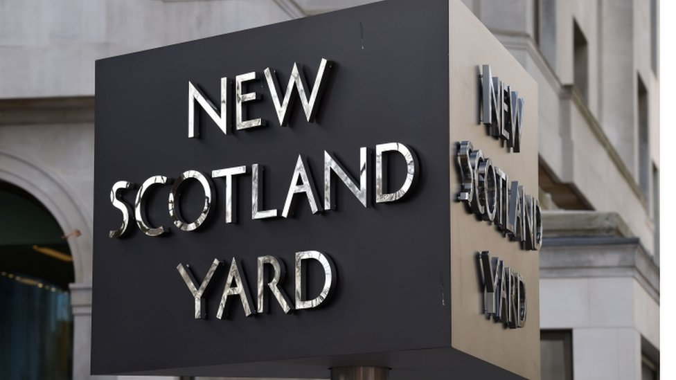 Inquiry into Met Police file shredding claims