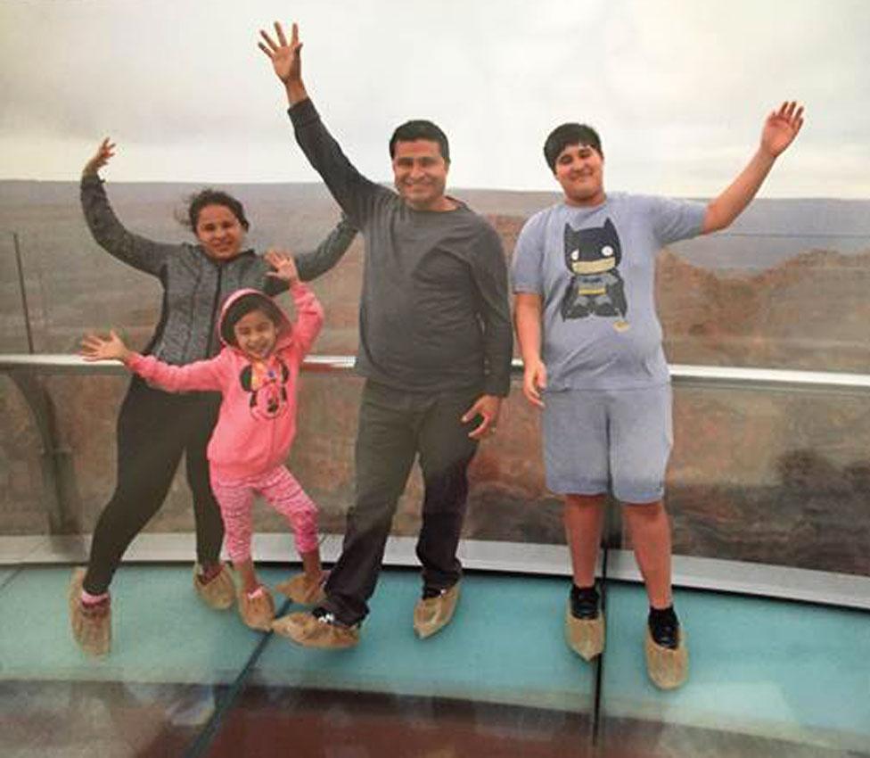Alcides Moreno y su familia