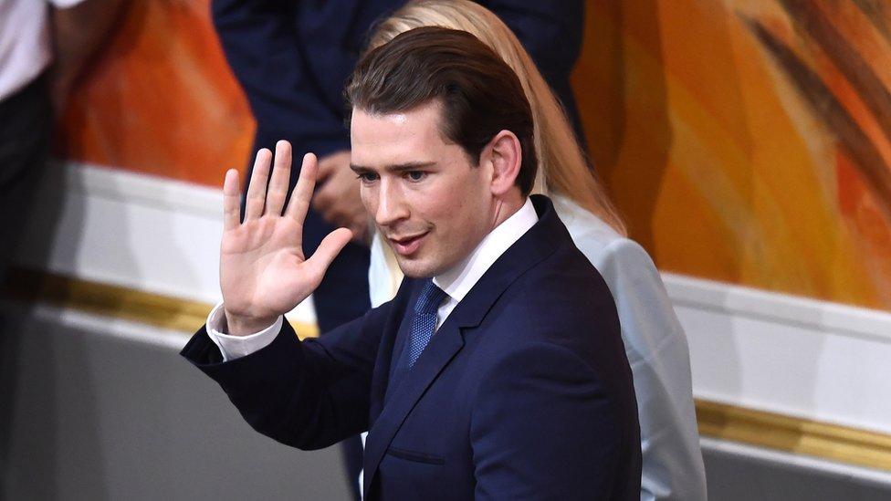 Президент Австрии отправил правительство Курца в отставку photo