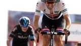 Tom Dumoulin (right) wins stage nine from Chris Froome