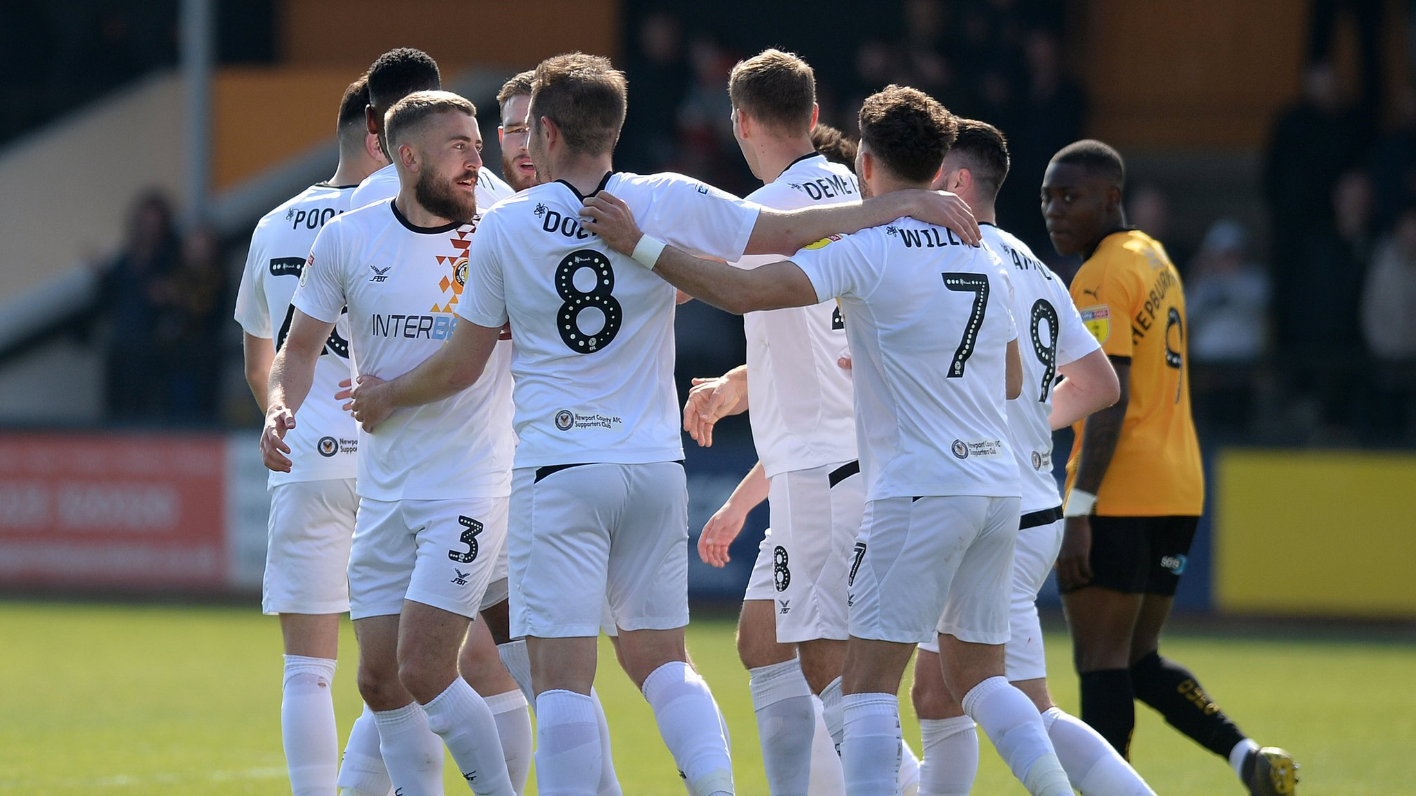 Cambridge United 0-3 Newport County: Exiles remain in play-off hunt