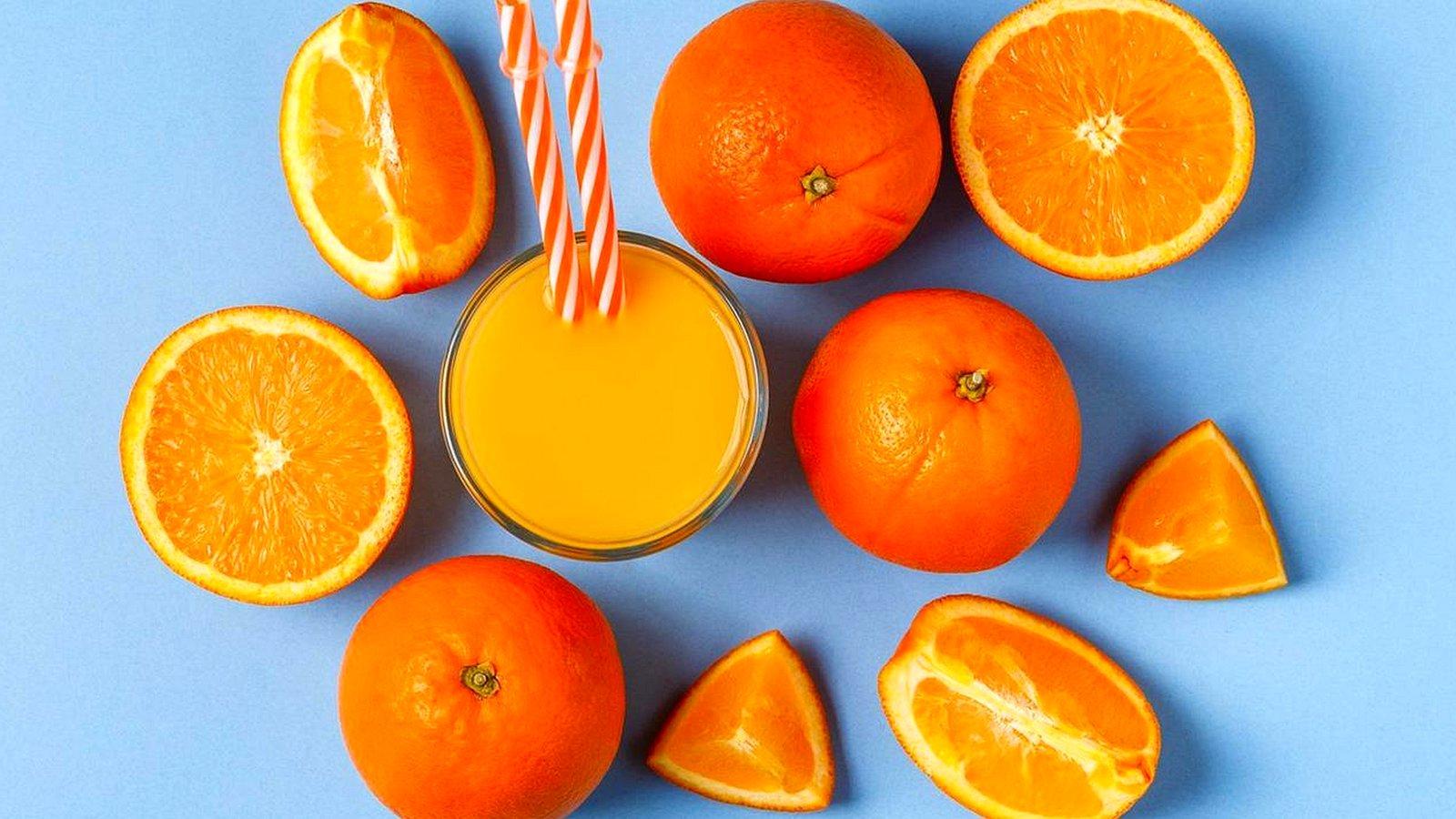 Так ли полезны свежевыжатые соки? И выводят ли они токсины?