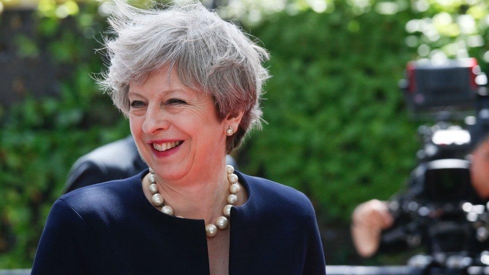 Мей пропонує громадянам ЄС посвідку на проживання у Британії