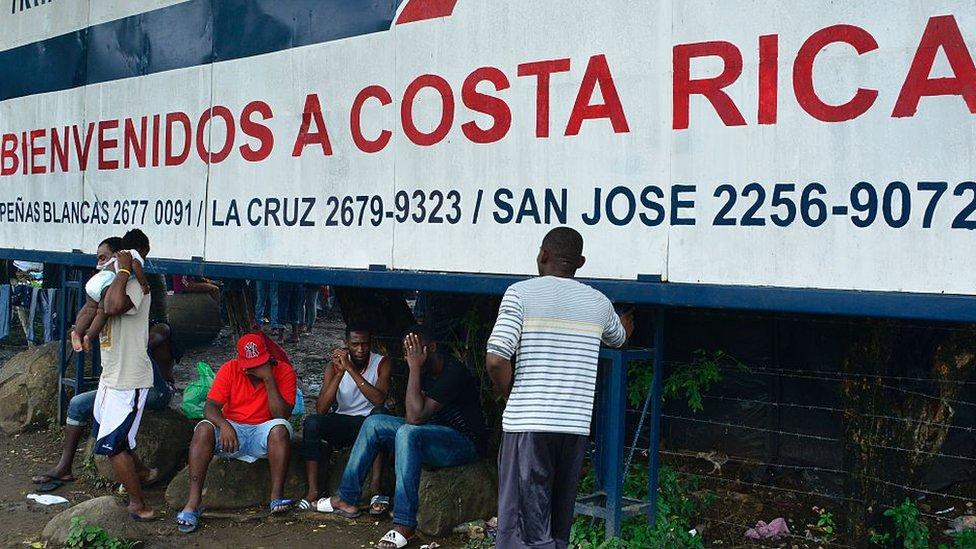 Migrantes en la frontera entre Nicaragua y Costa Rica