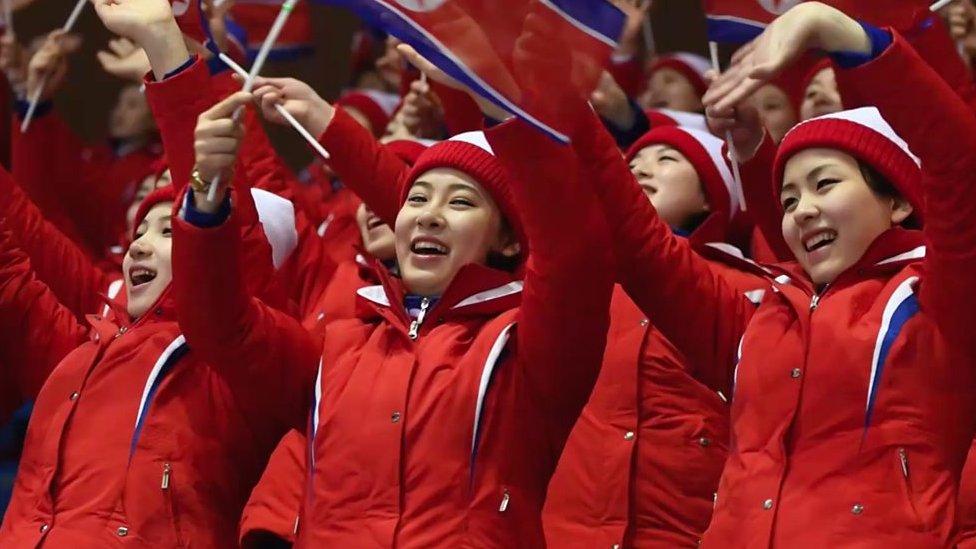 Đằng sau nụ cười hoạt náo viên Bắc Hàn