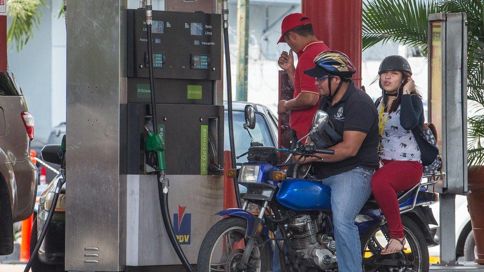 Al menos dos muertos y 170 heridos en otra violenta jornada — Venezuela