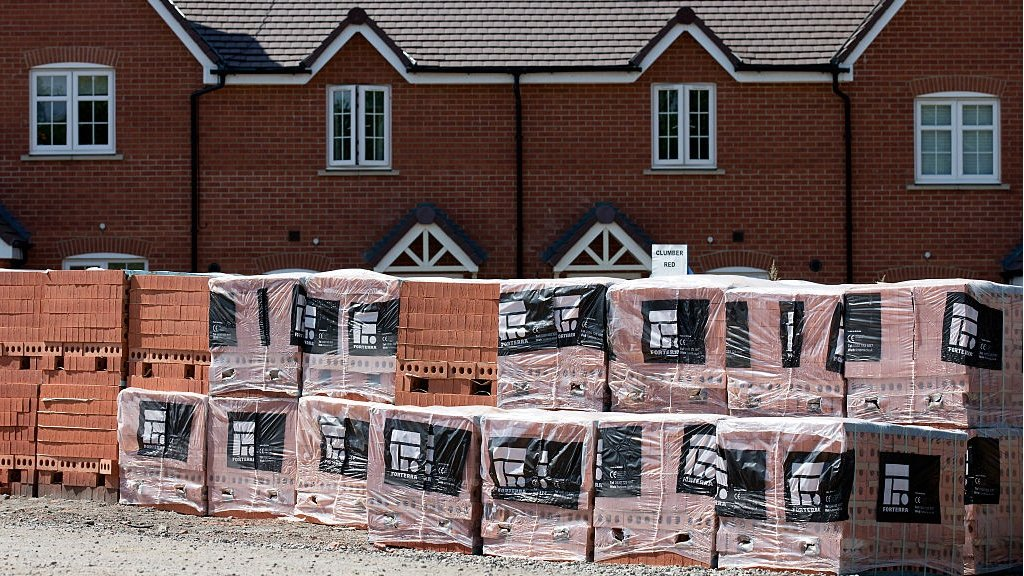 Plans to ban leaseholds on new-build houses in England