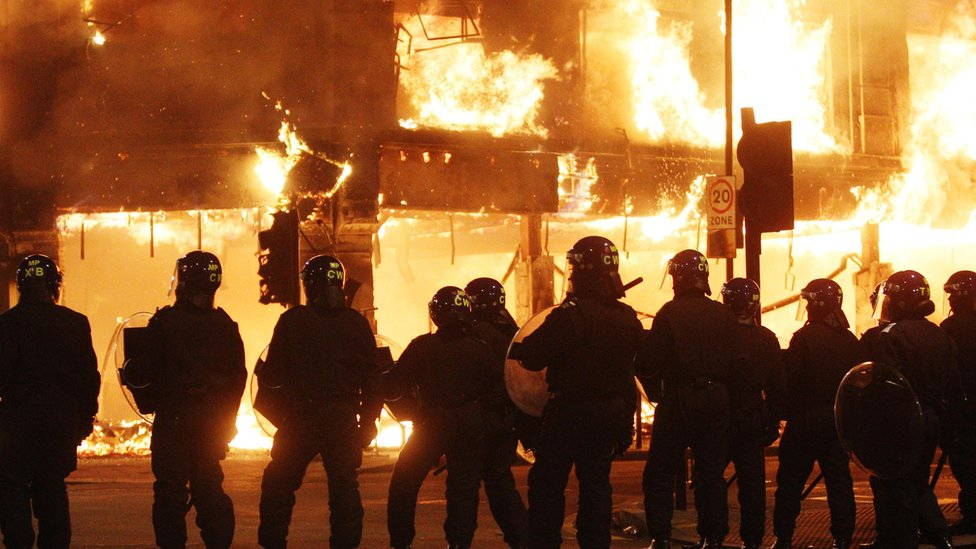 Police funding: Cuts 'threaten ability to tackle mass riots'